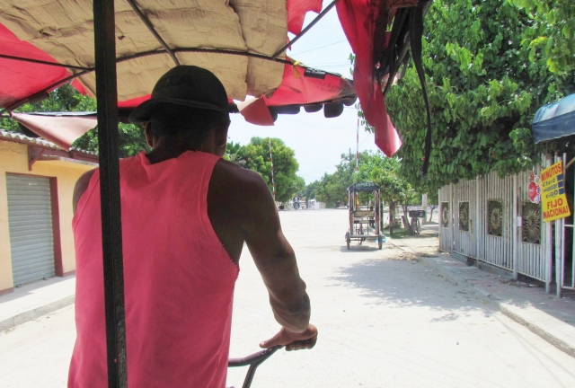 A cycle rickshaw, Aracataca (Photo Stephen Woodman).JPG